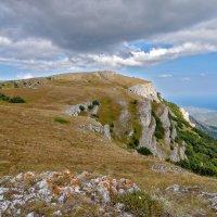 В горах Крыма. :: Эдуард Пиолий