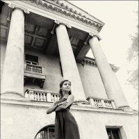 Дом с колоннами :: Ирина Лепнёва
