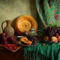 Натюрморт с фруктами :: Елена Чаусова