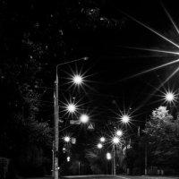 Ночь, улица, фонарь, ... аптека за спиной ... :: Ольга Винницкая (Olenka)