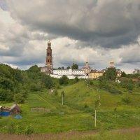 Вид на монастырь :: Константин