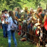 Фестиваль красок Холи-2015 :: Сергей Карачин