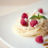 Спагетти с малиной :: Марина Массель