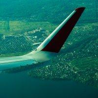 Под крылом самолета о чем-то поет... :: Zifa Dimitrieva