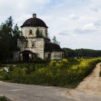 Заброшенная церковь в Старице :: jenia77 Миронюк Женя