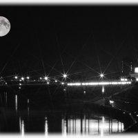 Просто луна... :: Александр Школьник