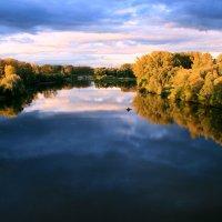 Река Белая. Небо голубое. Вода синяя. :: Евгений Юрков