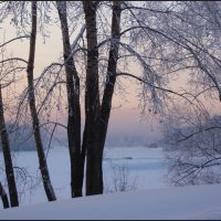 Домик у реки :: Наталия Григорьева
