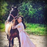 Пробная фотосессия с молодой лошадкой :: Ольга Степанова