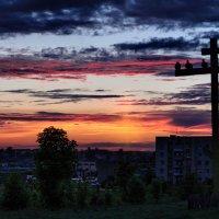 На кресте сидели птицы... :: Анатолий Клепешнёв