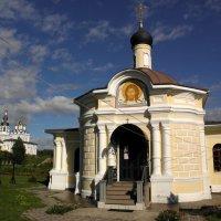 Нижний храм монастыря. :: Елена