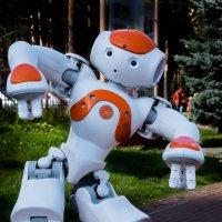 Танцующий робот :: Марк Э