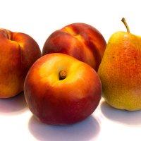 Персики и груша :: Alex Bush