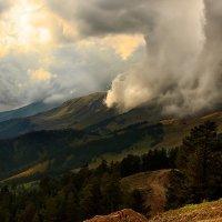 Так начинается ненастье над перевалом Федосеева :: Olga Vorzheva