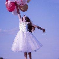 Fly Away #4 :: Maggie Aidan