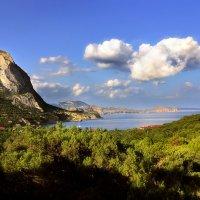 Вид на скалу Сокол... :: Андрей Войцехов
