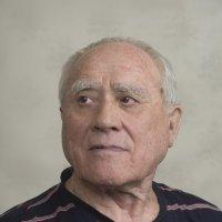 Бытовой портрет пожилого мужчины :: Stanislav Zanegin