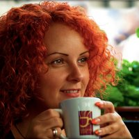 За чашкой кофе... :: Юрий Гординский