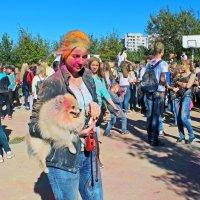 Северодвинск. Фестиваль красок. Друзья - не рассыпь порошок :: Владимир Шибинский