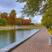 Осень входит в Хабаровск... :: Виталий Левшов