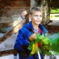 На улице мальчик сопливый... :: Галина