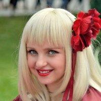 Девочка с розой в волосах :: Юрий Анипов