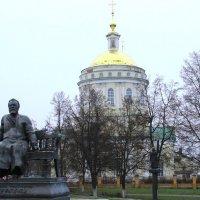 Памятник Н.С.Лескову. :: Борис Митрохин