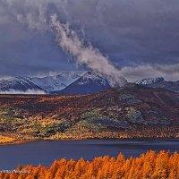 Утро на озере после дождя. Сентябрь - 2 :: Юрий Слюньков