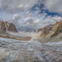 на леднике Ак-Сай... :: Maximilian Buckup