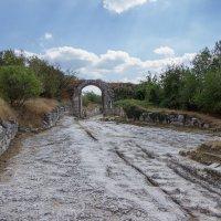 Ворота в старый город... :: Никита Юдин