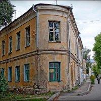 угловой дом в Калуге :: Natalia Mihailova
