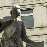 Памятник Ивану Фёдорову в Москве :: Владимир Болдырев