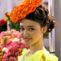 другая девушка цветочек :: Олег Лукьянов