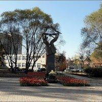 Памятник учителю :: Вера