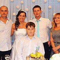 Родина на весіллі :: Степан Карачко