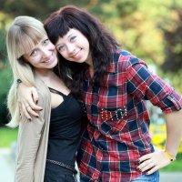 подружки с глазками и улыбками :: Олег Лукьянов