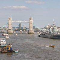 Траффик на Темзе :: Андрей Синявин
