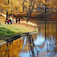 Осень в городе :: Teresa Valaine