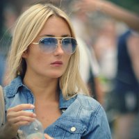 Блондинка в голубом. :: ОЛЕГ ПАНКОВ