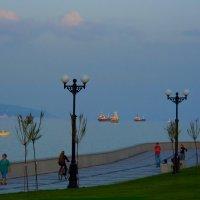 Летучие корабли. Вечер на набережной :: Константин Николаенко
