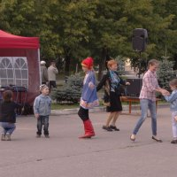 танцуют все... :: Михаил Жуковский