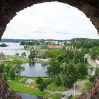 Из крепости Олавинлинна открываются превосходные виды на  город Савонлинна :: Елена Смолова