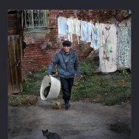 Старый двор :: Владимир Дядьков