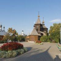 Внутри Троицкого монастыря :: Николай