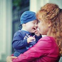 Оля и Стёпка. Солнечные мама и сынуля :*) :: Ксения Старикова