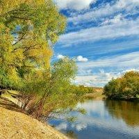 Осень на реке :: Владимир Зыбин