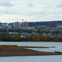Мой город пасмурным осенним днем... :: Александр Попов