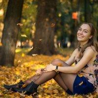 Полина в парке :: Александр Лобков