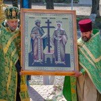 Внесение иконы Константина и Елены... :: Юлия Бабитко