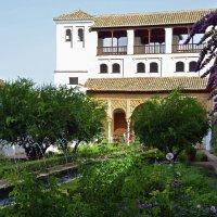 Внутренний дворик в Альгамбре :: Николаева Наталья